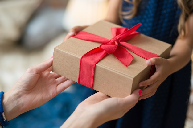 5 Unique Gift Ideas For Long-Distance Family Members And Friends