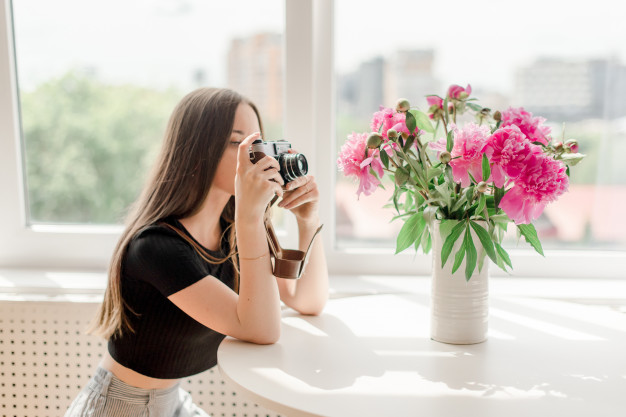 5 Creative Photoshoot Ideas at Home: Indoor Photography Inspiration
